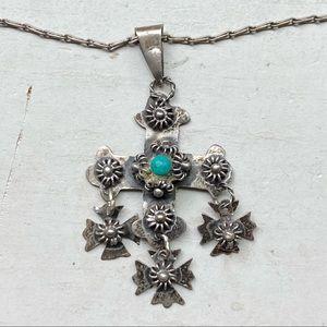 Lovely sterling silver cross pendant